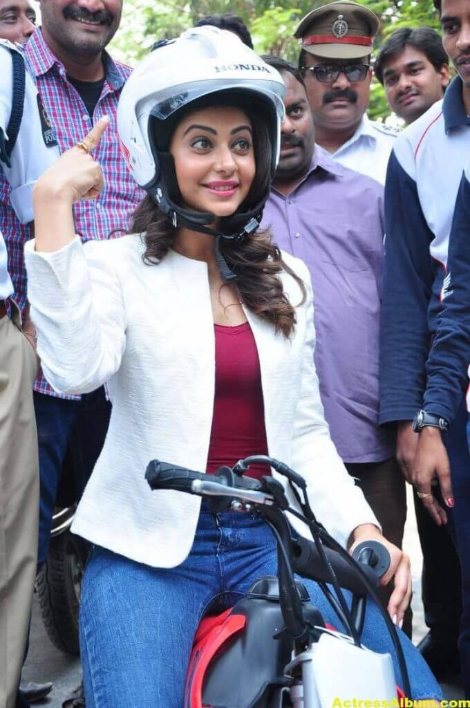 Rakul Preet Singh Photos At Traffic Awareness Show 5