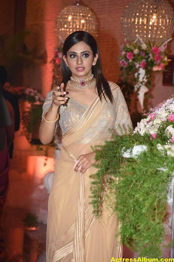 Rakul Preeth Photos In Yellow Saree At Wedding Reception (4)