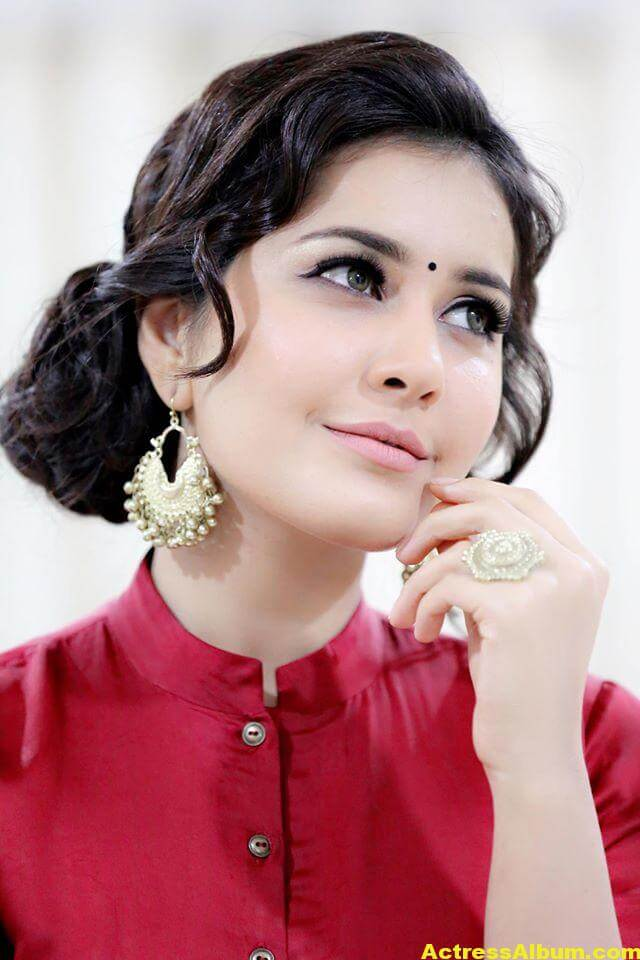 Rashi Khanna Navel Show Photos In Red Dress (2)