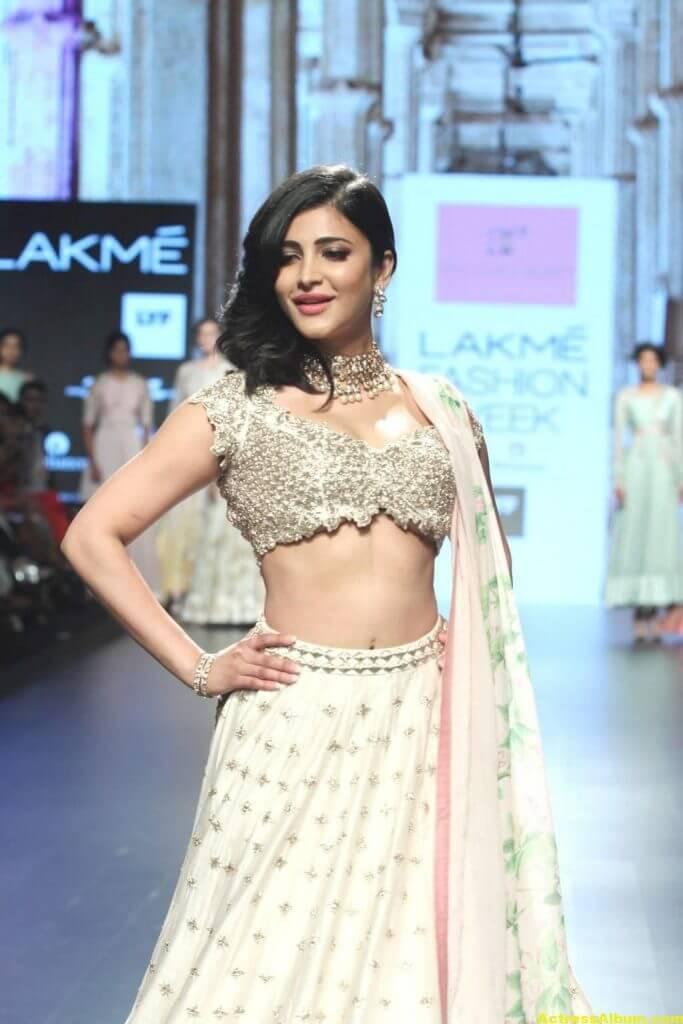 Shruti Haasan Photos At Lakme Fashion Week 5
