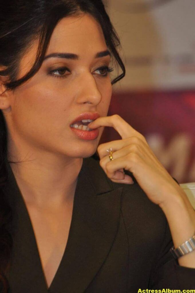 Tamanna Beautiful Funny Face Photos Stills (1)