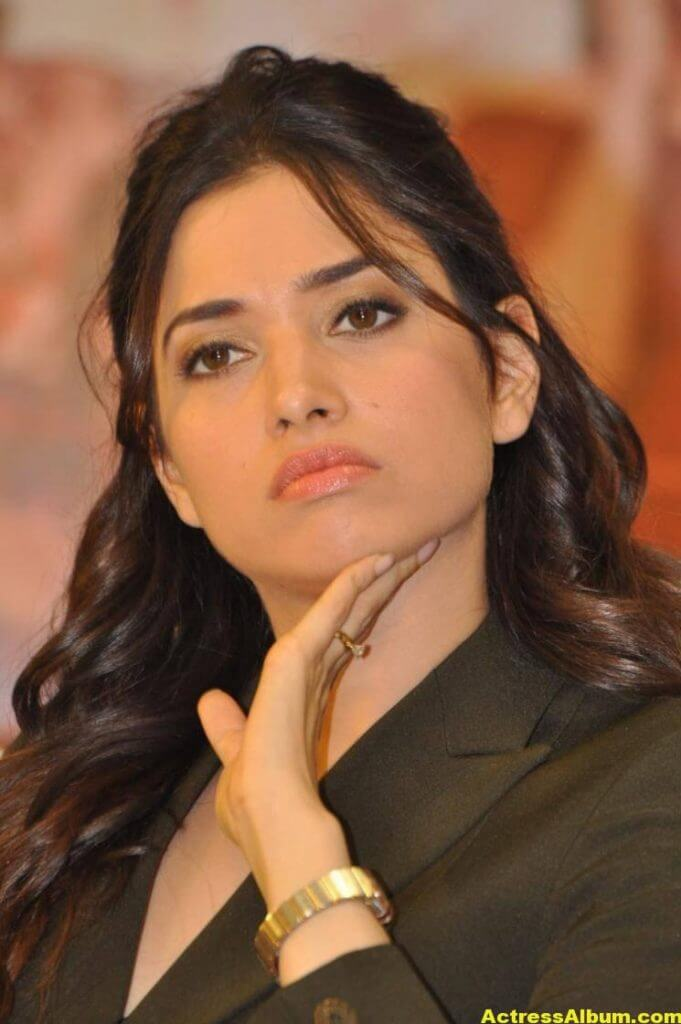 Tamanna Beautiful Funny Face Photos Stills (2)