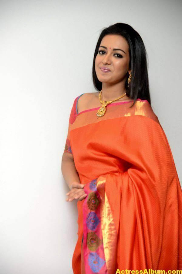 Catherine Tresa Latest Hot Photos In Orange Saree (6)