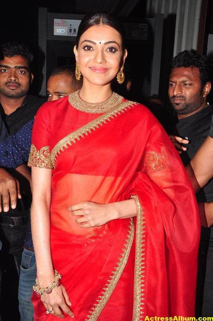 Kajal Aggarwal Navel Show Photos In Red Saree (2)