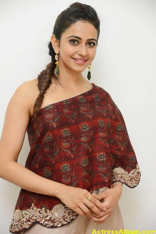 Rakul Preet Singh Latest Images In Maroon Dress (3)