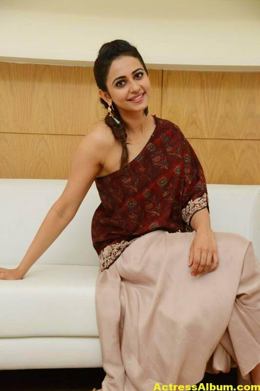 Rakul Preet Singh Latest Images In Maroon Dress (6)