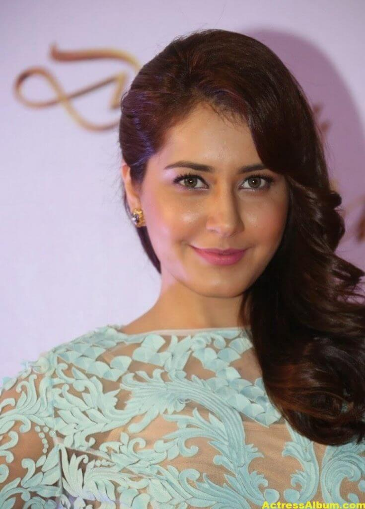 Rashi Khanna Stills at Memu Saitam2