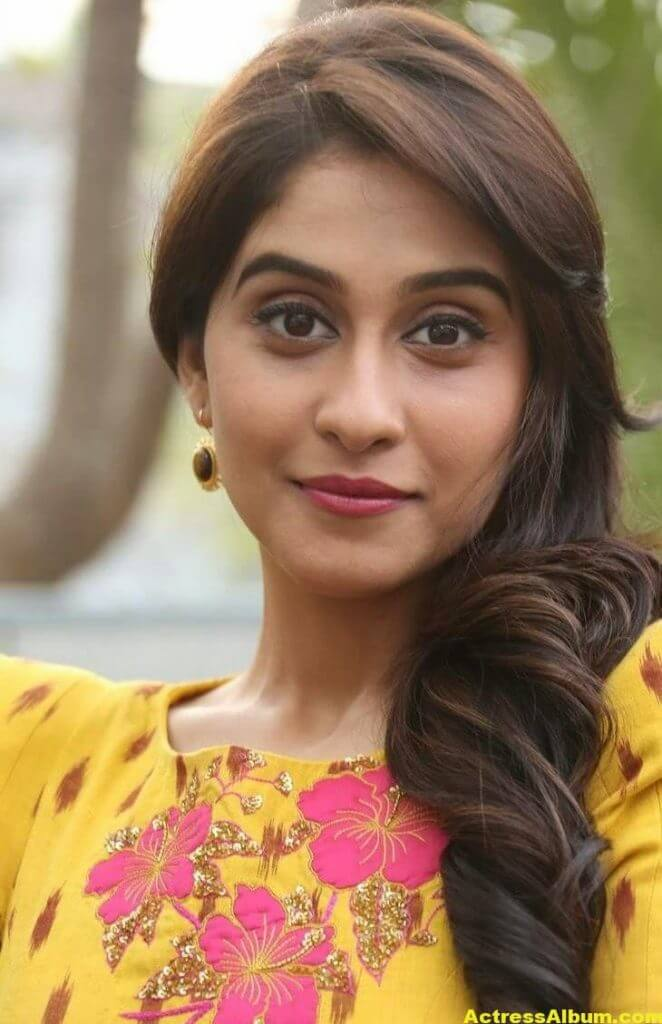 Regina Cassandra New Beautiful Photos