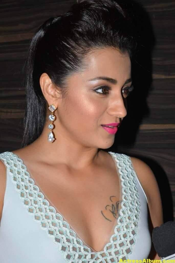Trisha Latest Hot Photos In White Dress 1