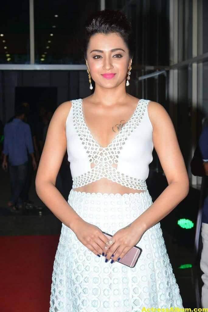 Trisha Latest Hot Photos In White Dress 8