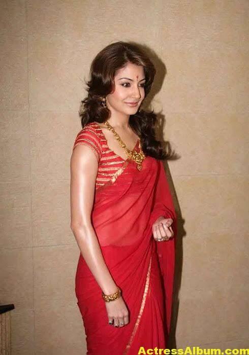 Anushka Sharma Navel Show Photos In Red saree 3