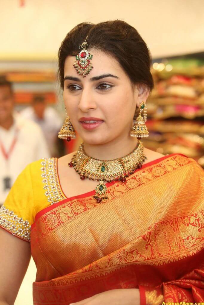 Archana-Stills-At-Trisha-Boutique-Wedding-Collection-Launch-21