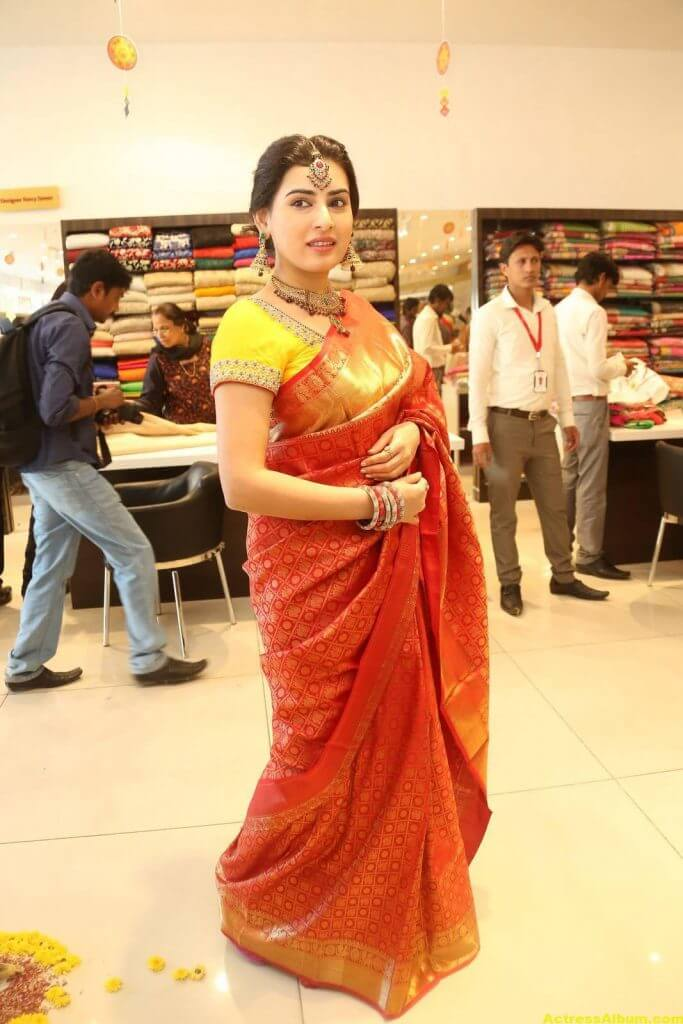 Archana-Stills-At-Trisha-Boutique-Wedding-Collection-Launch-5