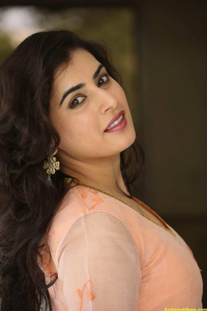 Archana Veda Hot Photos In Pink Dress 1