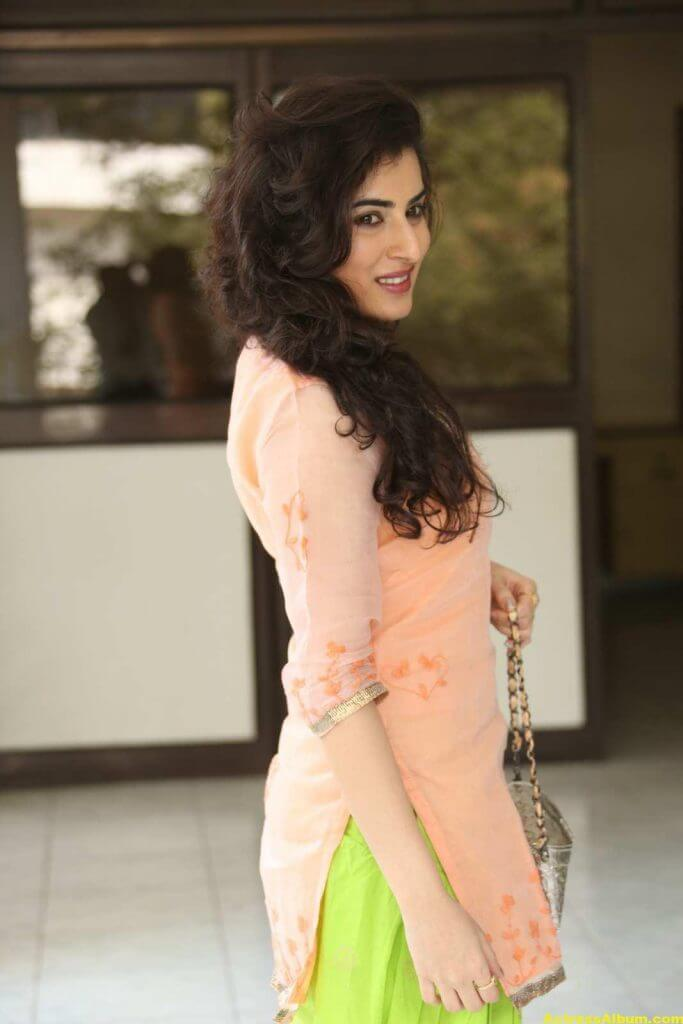 Archana Veda Hot Photos In Pink Dress 3