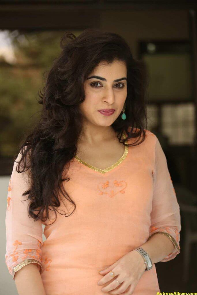 Archana Veda Hot Photos In Pink Dress 7