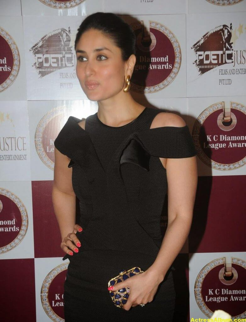 Glamorous Kareena Kapoor Hot Photos In Black Dress (6)