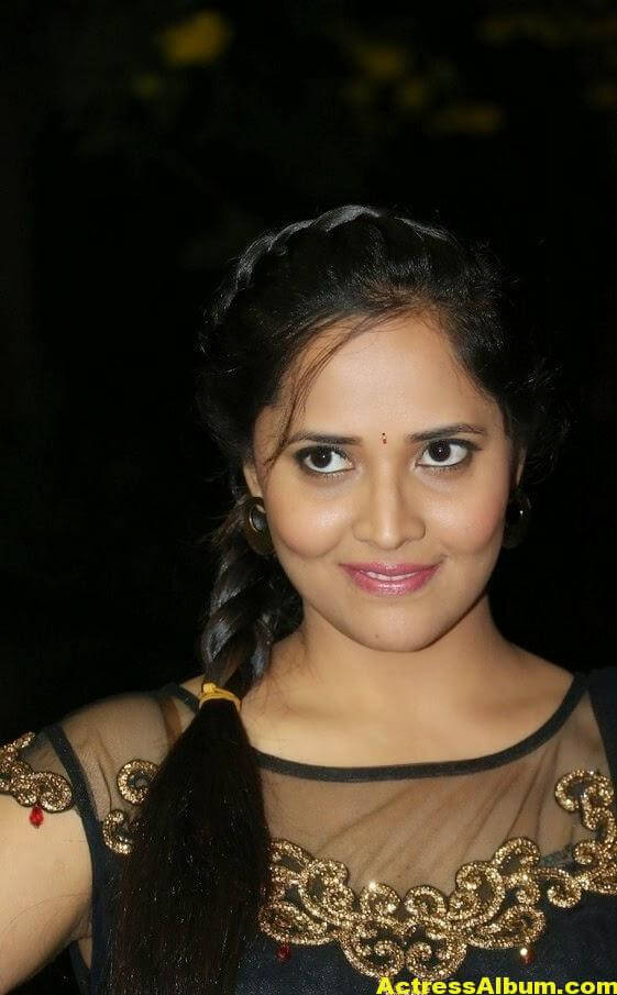 Hot Anasuya Oily Face CloseUP Photos (1)