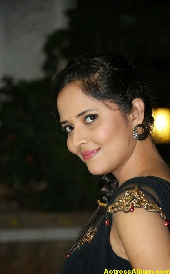 Hot Anasuya Oily Face CloseUP Photos (2)