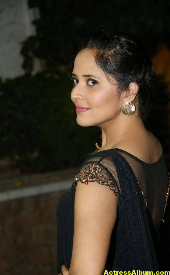 Hot Anasuya Oily Face CloseUP Photos (3)