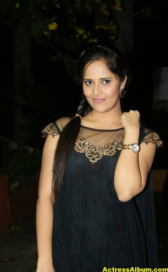 Hot Anasuya Oily Face CloseUP Photos (4)