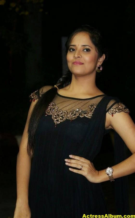 Hot Anasuya Oily Face CloseUP Photos (5)
