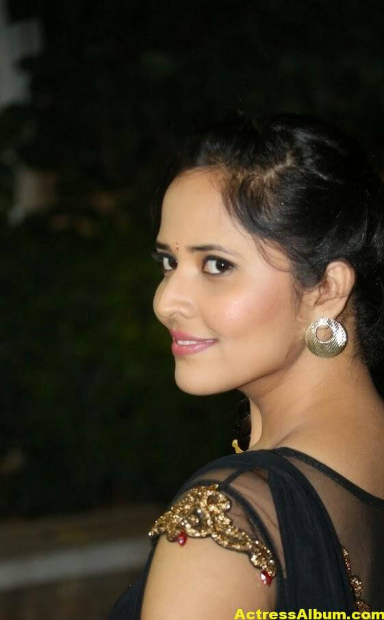 Hot Anasuya Oily Face CloseUP Photos (6)