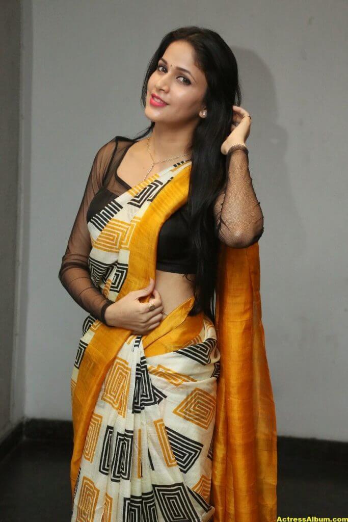 Hot Photos Of Lavanya Tripathi In Yellow Saree 1