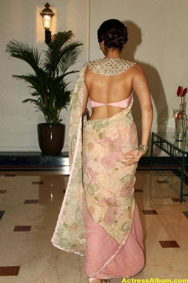 Hot Photos Sonam Kapoor In Designer Pink Saree (1)