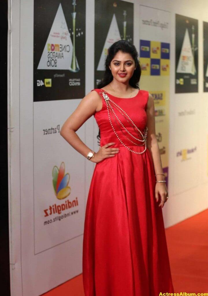 Monal Gajjar Photos In Red Dress At Cinemaa Awards 2