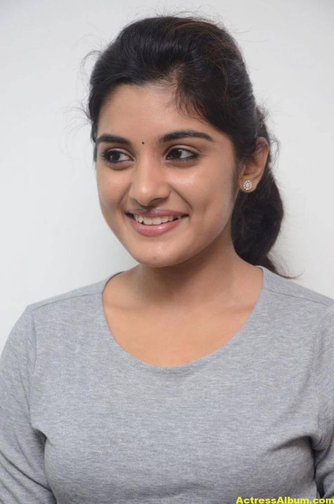 Niveda Thomas Photos In Blue Jeans Tshirt (2)