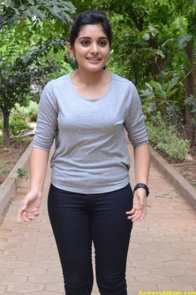 Niveda Thomas Photos In Blue Jeans Tshirt (8)