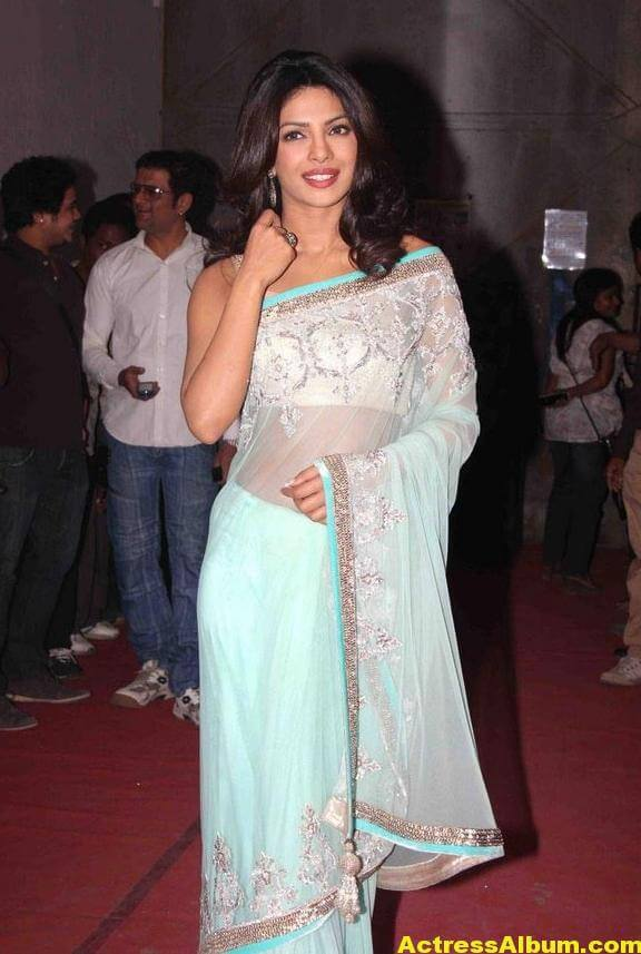 Priyanka Chopra Hot Photos In Sky Blue Saree 4