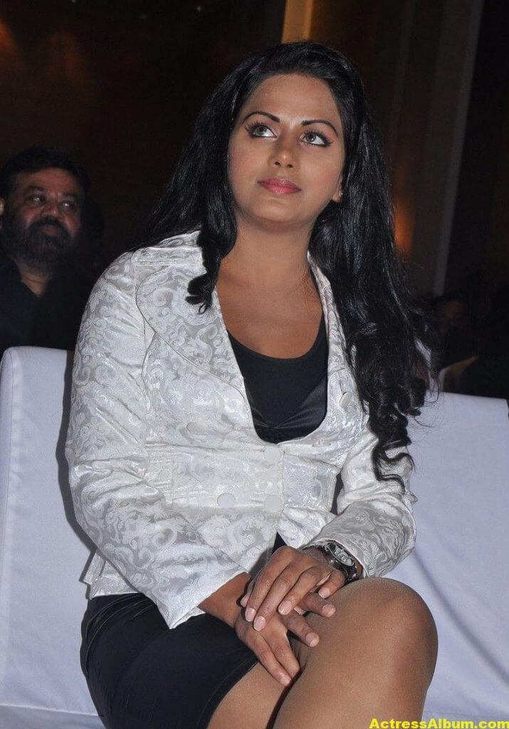 Rachana Maurya Hot Photos In White Dress 2
