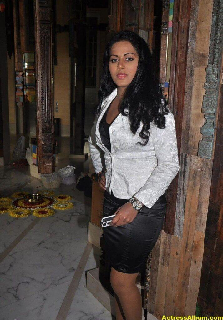 Rachana Maurya Hot Photos In White Dress 5