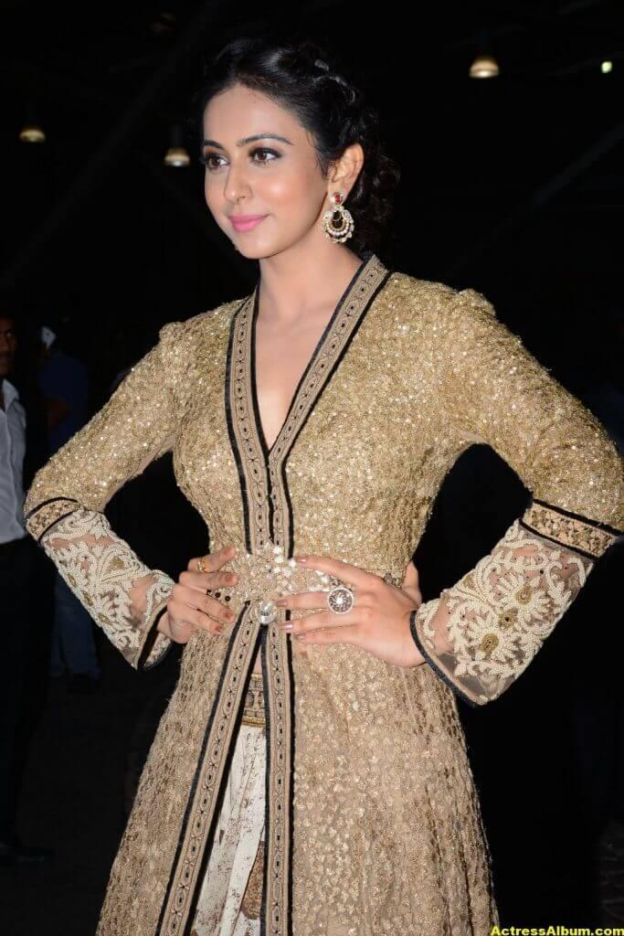 Rakul Preet Singh Photos at Filmfare Awards 5