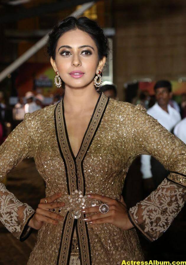 Rakul Preet Singh Photos at Filmfare Awards 7
