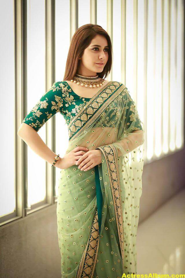 Rashi Khanna Spicy Photos In Green Saree (3)