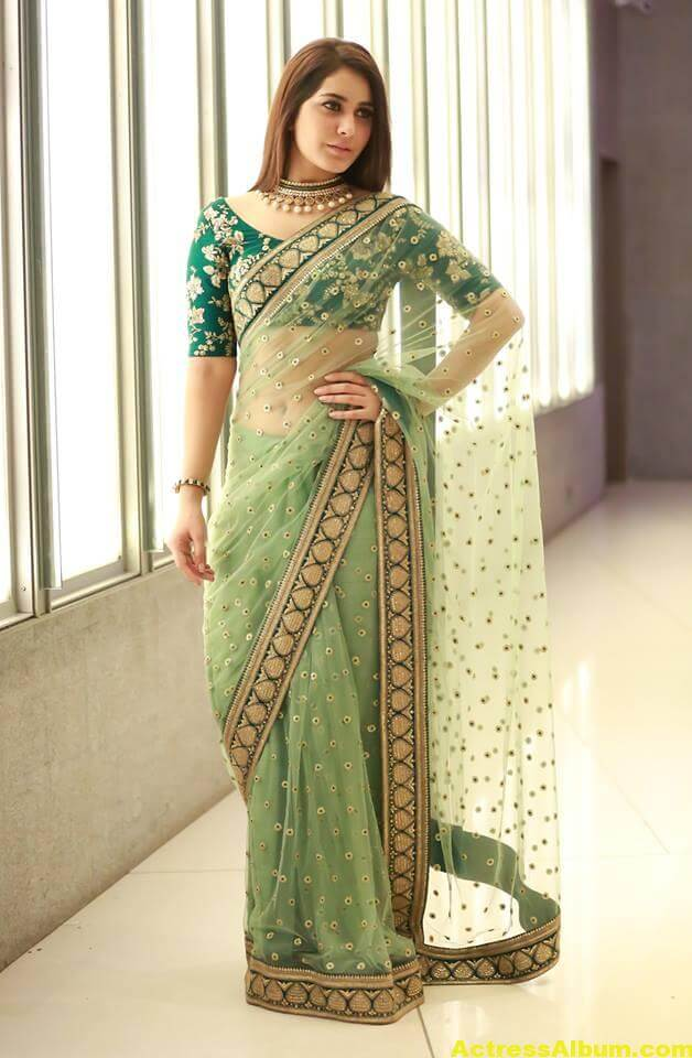 Rashi Khanna Spicy Photos In Green Saree (4)