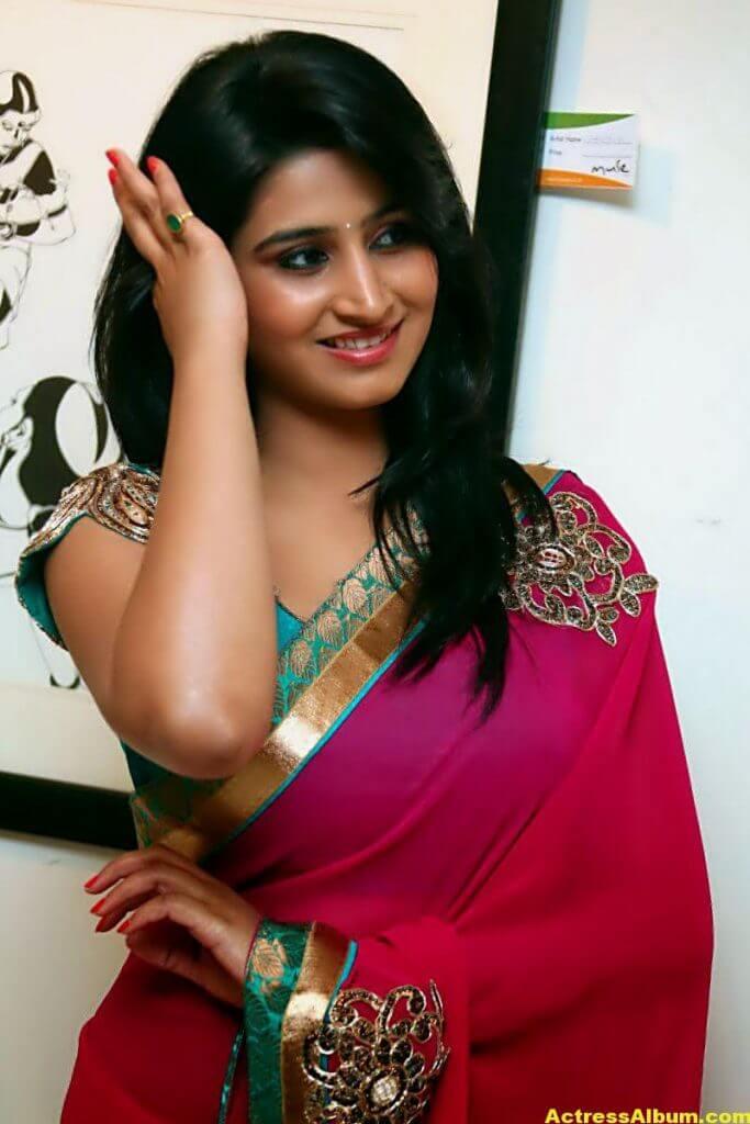 Shamili Hot In Red Saree 3