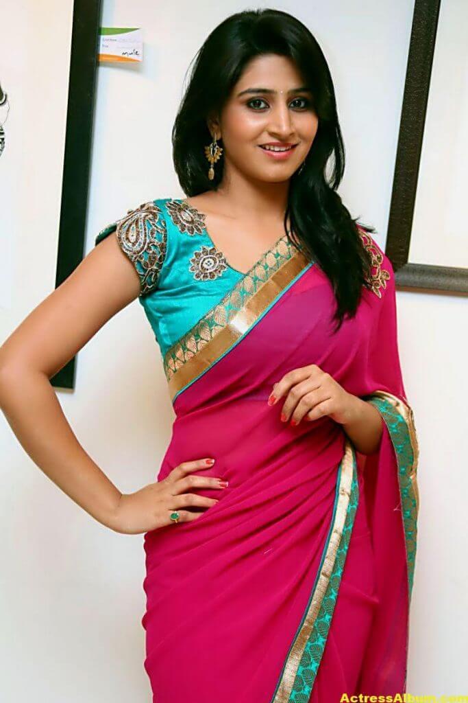 Shamili Hot In Red Saree 6