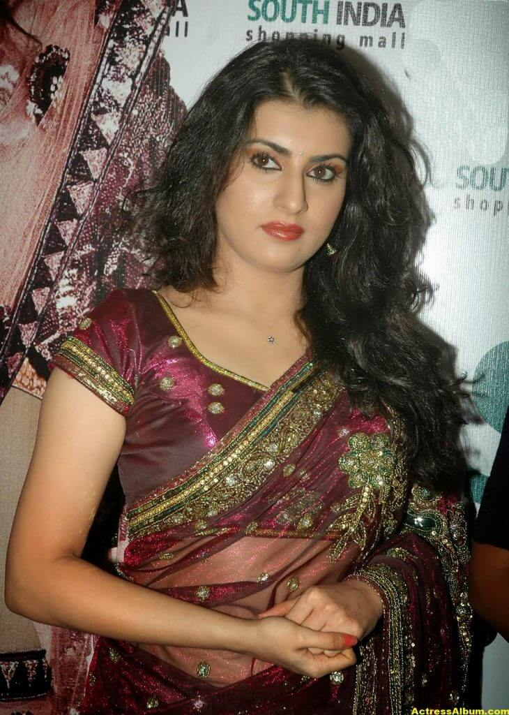Tamil Actress Archana Wallpapers 1
