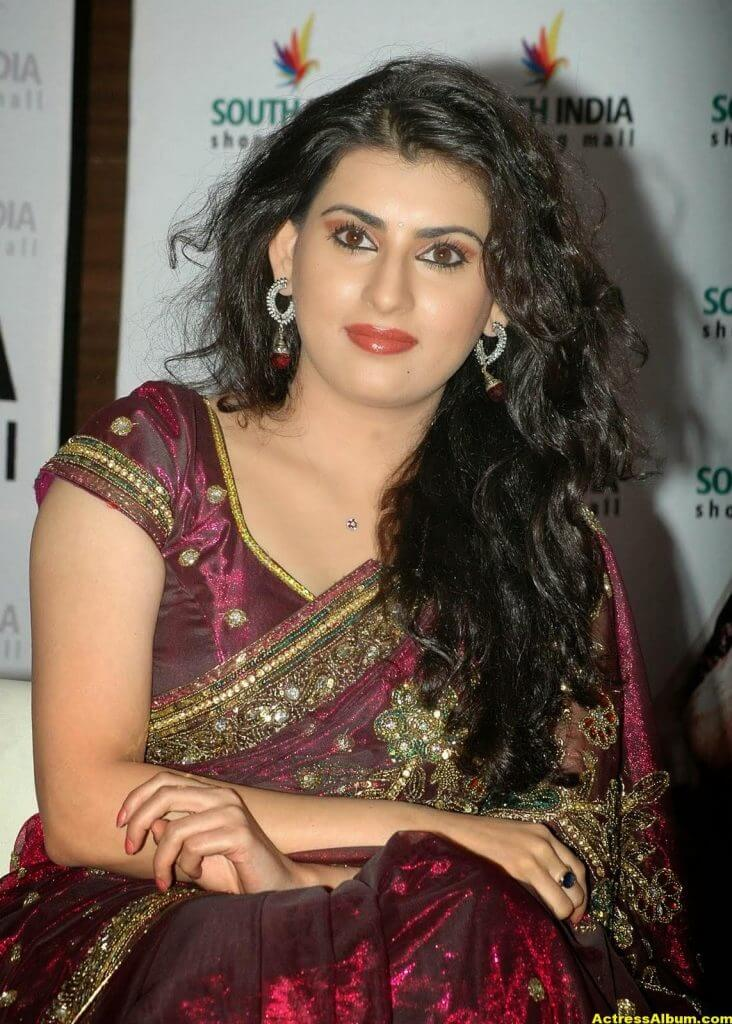 Tamil Actress Archana Wallpapers 2