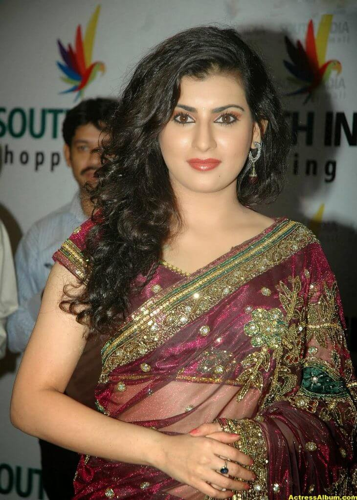 Tamil Actress Archana Wallpapers 8