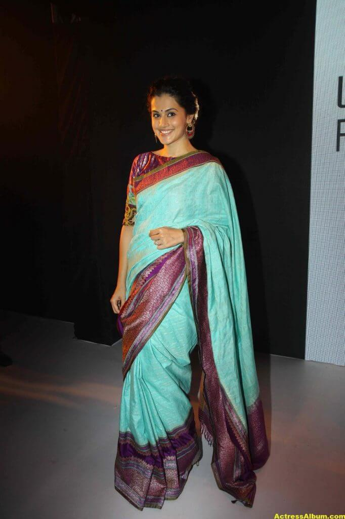 Tapsee Pannu Hot Looking Photos In Blue Saree (2)