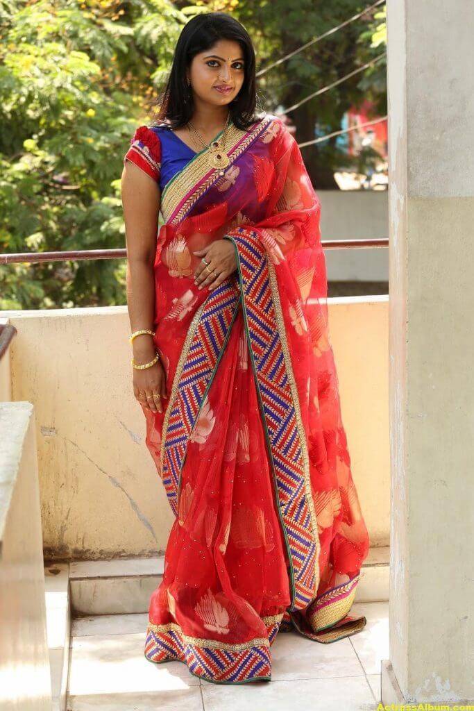 Telugu Tv ACtress Mounica Hot Photos In Red Saree (2)