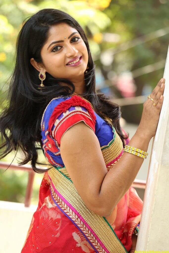Telugu Tv ACtress Mounica Hot Photos In Red Saree (6)