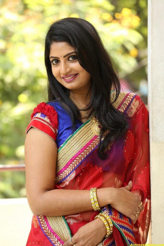Telugu Tv ACtress Mounica Hot Photos In Red Saree (8)