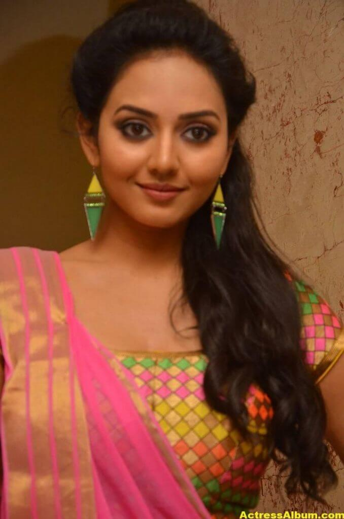 Vidya Pradeep Hot Photos In Pink Half Saree (1)
