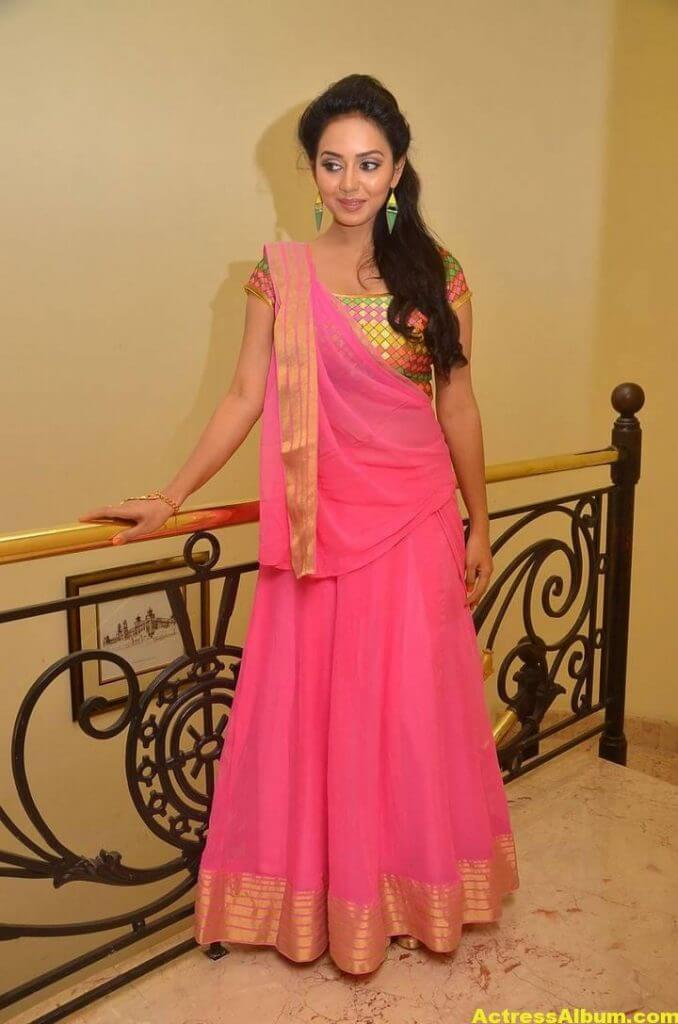 Vidya Pradeep Hot Photos In Pink Half Saree (2)